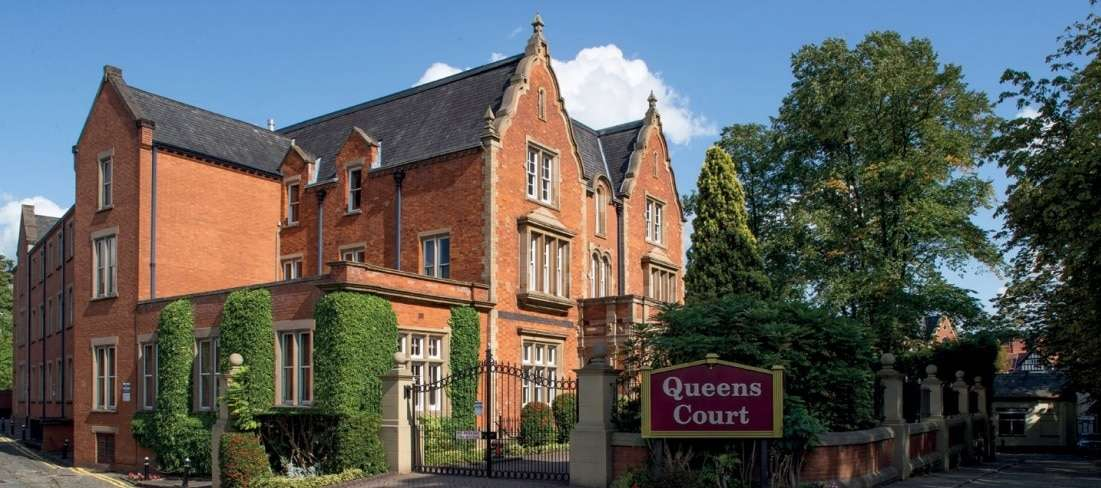 Alderley Edge, Queens Court