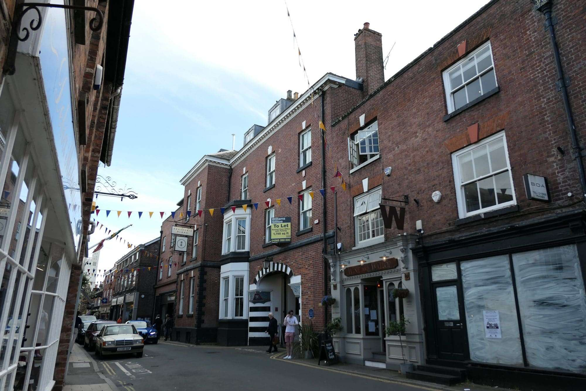 Knutsford, Royal George Offices