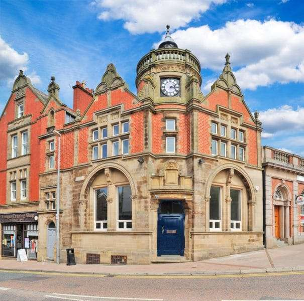 Wilmslow, 4-6 Bank Square